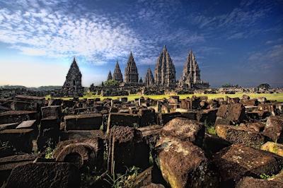 Belum Lengkap Rasanya Jika Belum Ke Candi Prambanan Yogyakarta