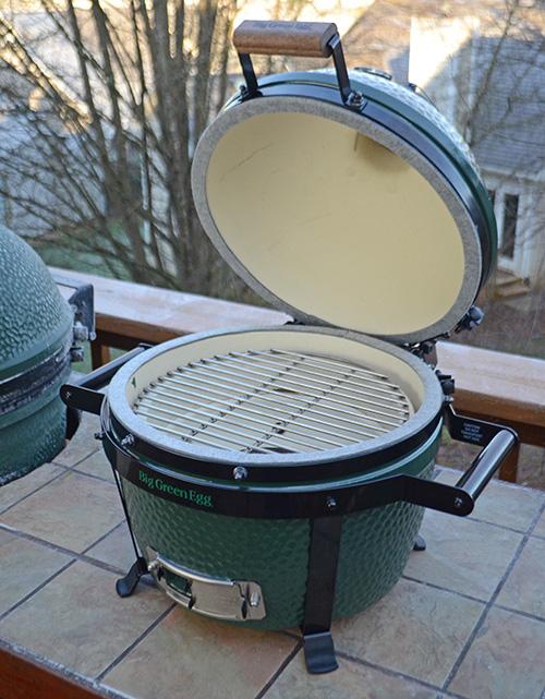 Mannix Pools, kamado grill, kamado smoker, portable kamado
