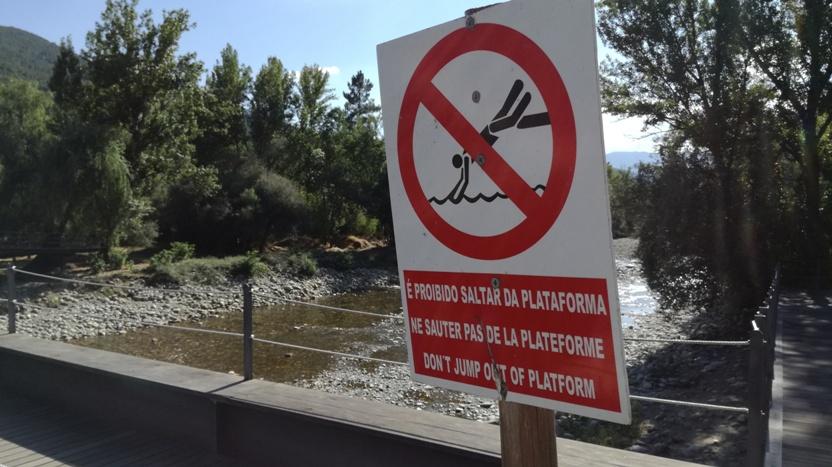Proibido dar saltos da ponte