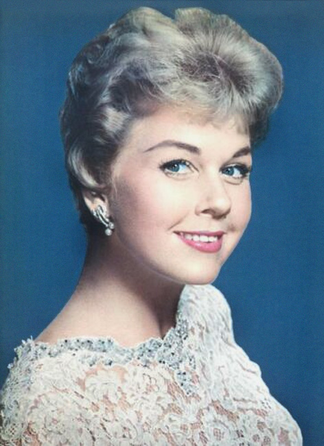 Doris Day Walking Dog Pictures: Actress And Celebrity Pictures: Doris Day