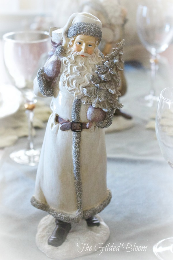 Father Christmas- www.gildedbloom.com #holidaydecorating