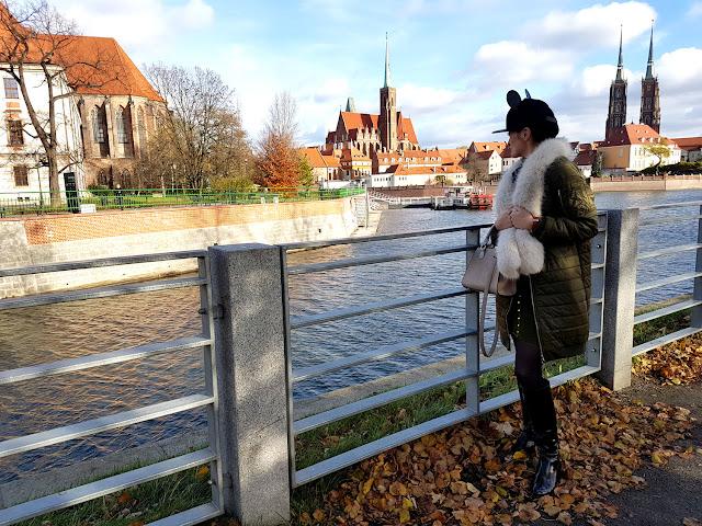 Wrocław - Wroclove - jarmark bożonarodzeniowy we Wrocławiu - mural na ulicy Roosevelta - Ostrów Tumski - 10 rzeczy za które kocham Wrocław -Zaful - styl militarny - czapka H&M z uszami