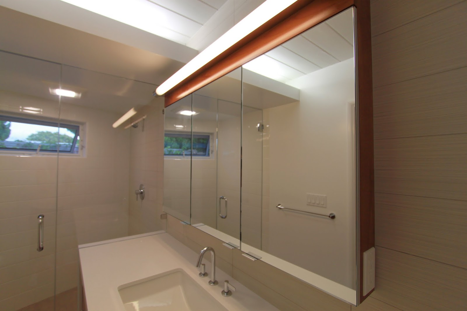 top five favorite features mid-century bathroom remodel ...