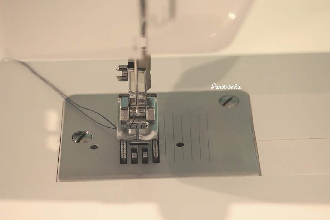Máquina de coser, partes y funciones principales - Placa de la aguja