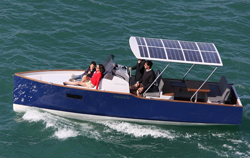 Panneau solaire souple pour bateau