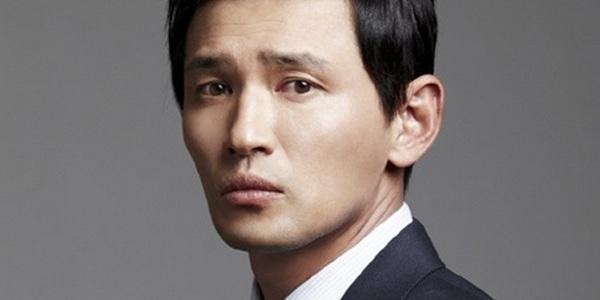 """Hwang Jung-Min akhirnya memutuskan untuk membintangi film """"Operation"""", bersama tiga pemain lainnya: Lee Sung-Min, Cho Jin-Woong, dan Ju Ji-Hoon."""