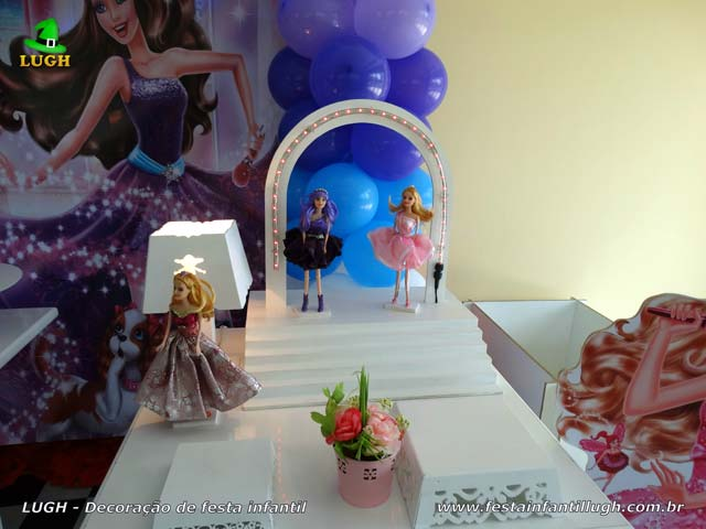 Mesa decorada provençal tema Barbie Pop Star