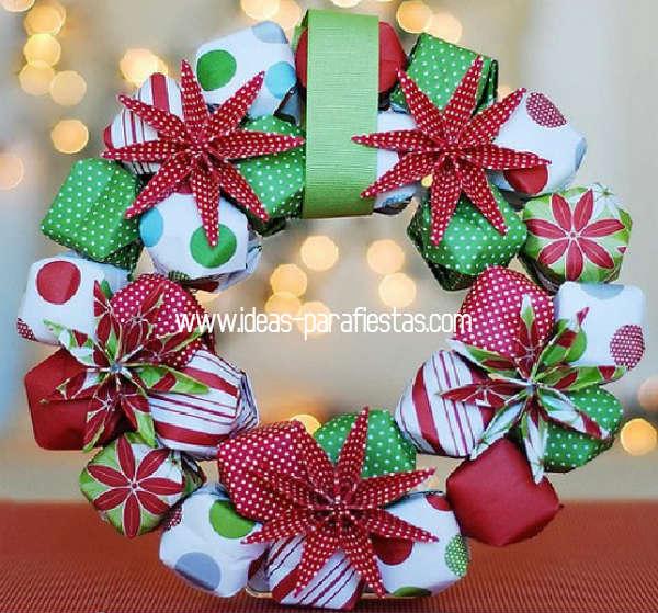 corona navideña reciclada