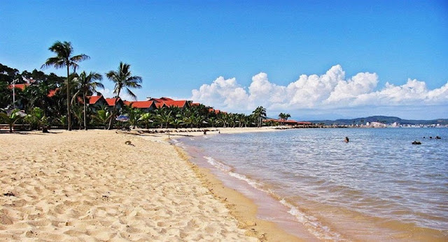 Bãi tắm Marina Beach