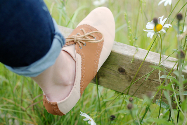 Bamboo saddle shoes from Zulily
