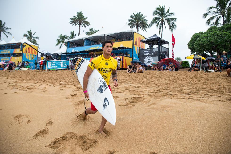 13 Ezekiel Lau Hawaiian Pro Triple Corona Fotos WSL tony heff