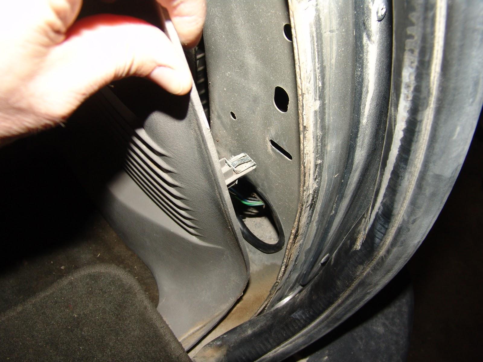 2003 Chevrolet Trailblazer, Clicking Sound From Rear HVAC Unit