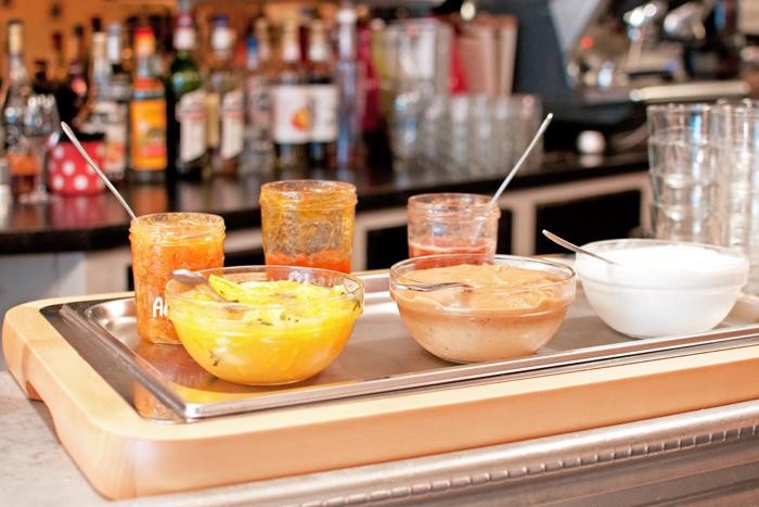 détail des confitures et desserts du Restaurant le clou de girofle à Caen