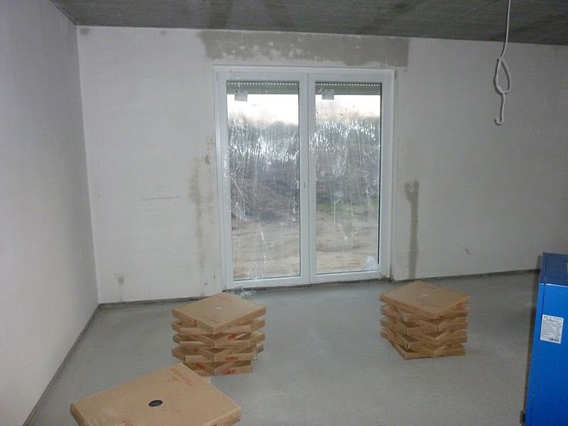 unser haus in meimersdorf fliesen und estrich iv. Black Bedroom Furniture Sets. Home Design Ideas