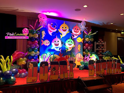 Baby Shark stage decor