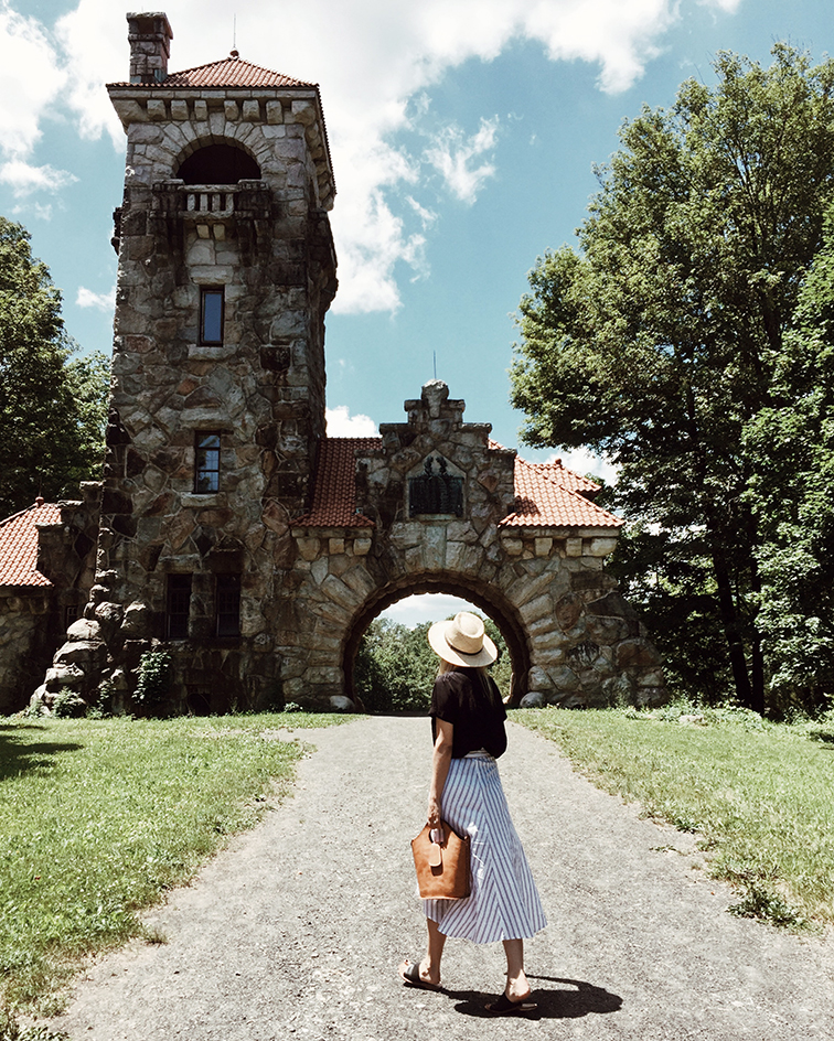 heleneisfor, faithfull the brand skirt, aritzia blouse, sol sana shoes, mohonk mountain house