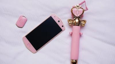 ponsel Sailor Moon