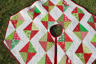 christmas tree skirt in july made with half rectangles tutorial by lee at freshly pieced - Christmas Tree Skirt Patterns