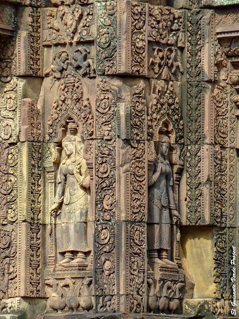 Banteay Srei, devatas del primer recinto - Angkor, Camboya por El Guisante Verde Project