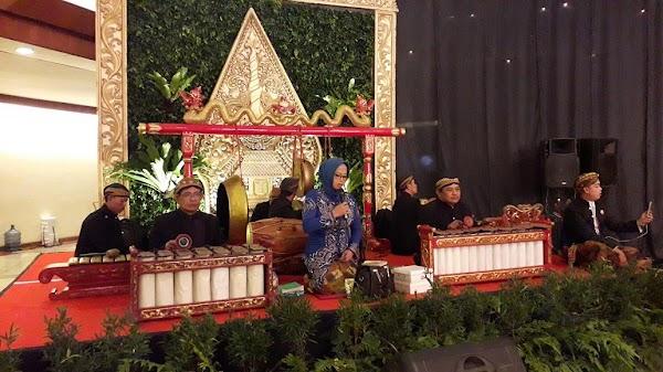 Perkawinan Nanggap Wayang