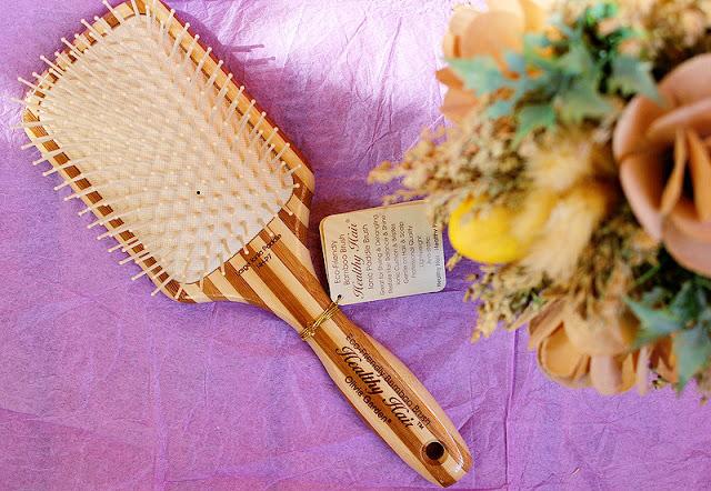 Отзыв: Бамбуковая массажная щетка Olivia Garden Healthy Hair P7 Rectangular Epoxy.