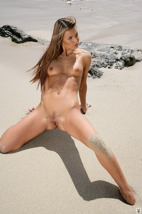1582771729_50290_full [Playboy Archives] Carina - Sand And See