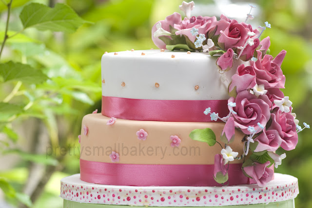 kek kahwin untuk misz  Prettysmallbakery
