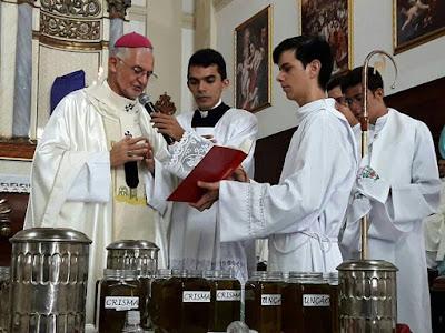 Aconteceu na Manhã desta quinta-feira a Missa Crismal ou dos Santos Oléos na Catedral Basilica Nossa Senhora das Neves