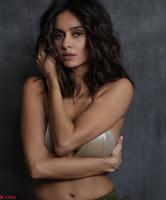 Shibani Dandkar in Bikini for her Instagram Stunning Pics ~  Exclusive Galleries 007.jpg