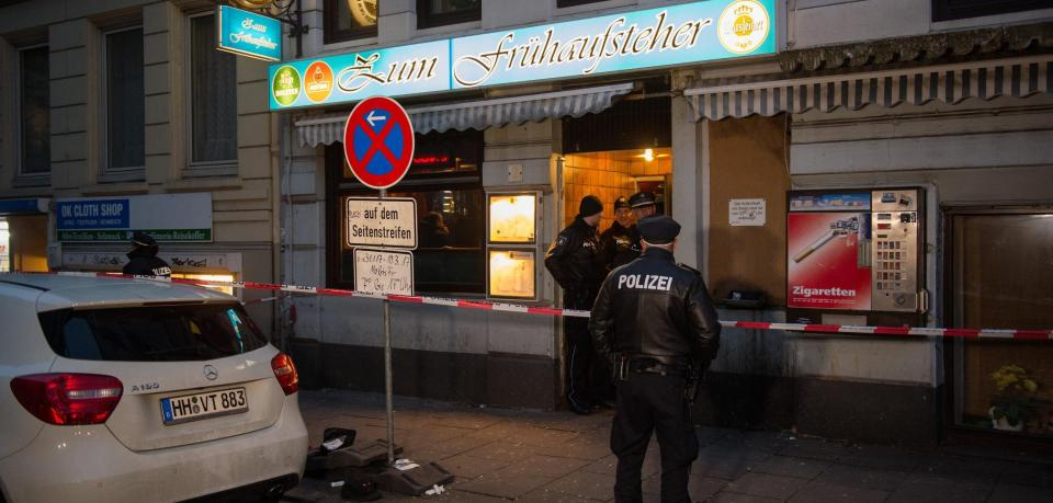 Vokiečių policininkus Hanburge sumušė gauja musulmonų