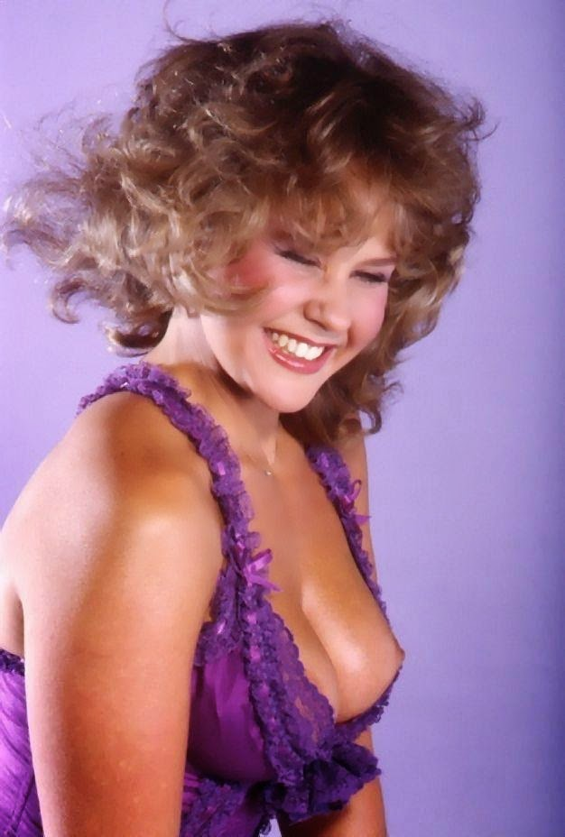 Linda Blair nude pictures collection | Amazing Nudes