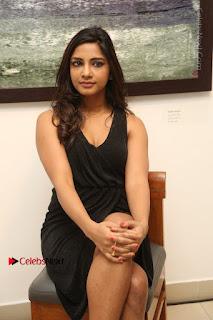 Telugu Actress Kamna Singh Stills in Black Dress at Bharat Thakur Art Exhibition Launch  0145.jpg