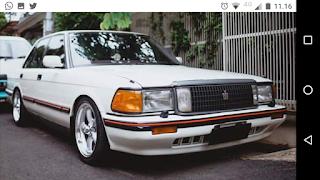 Toyota Crown Royal Saloon 1989 AT