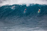 39 paddle over Peahi Challenge foto WSL Keoki Saguibo