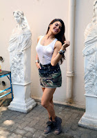 Actress Jacqueline Fernandez  Pictures in Short Skirt at Dishoom Movie Shooting Spot 0003.jpg