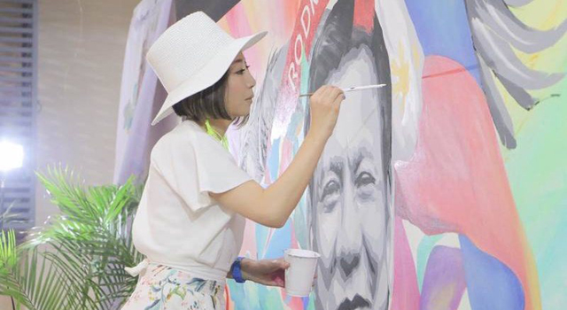 Watch Even This Japanese Painter Supports President Duterte. Wow!