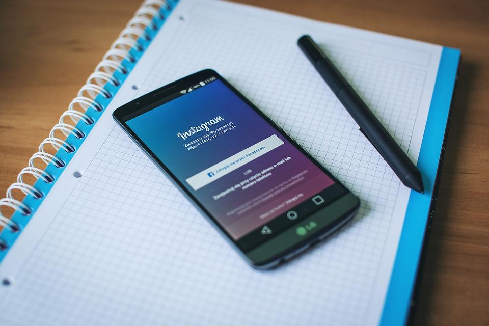Mengubah Font Tampilan Feed Profil Instagram Dengan Unik