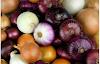 البصل: الفوائد الصحية ، ومخاطر التغذية ، والنصائح الغذائية