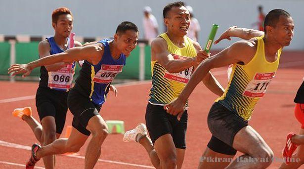 Pengertian Lari Estafet dan Tekniknya