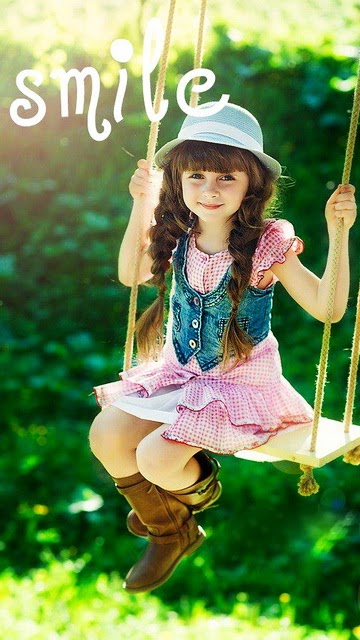 Cute Girls Wallpapers for Mobile Photo