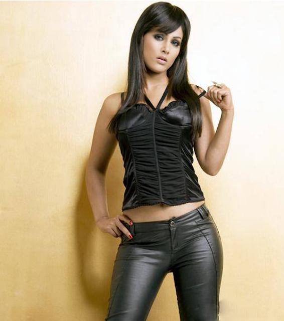 Hina khan sexy pics