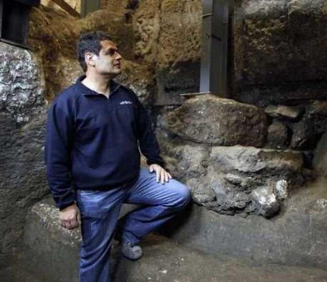 Eli Shukron, da Autoridade de Antiguidades de Israel