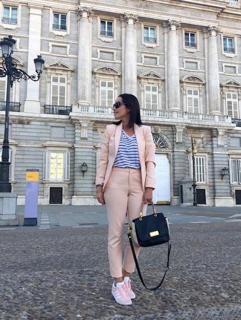 como debe vestir una emprendedora, claves para vestir una emprendedora, cual es el look de emprendedora, moda, fashion, estilo, moda para emprendedoras, look