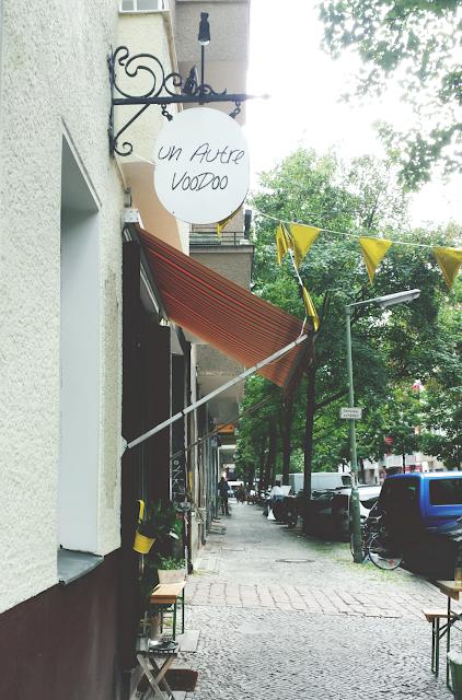 Outside Un Autre Voodoo in Neukölln in Berlin - sustainable fashion