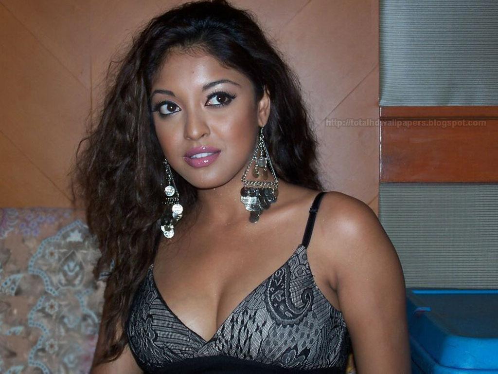 Actresses Hd Wallpapers Tanushree Dutta Hd Wallpapers-7267