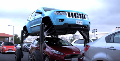Custom JEEP Grand Cherokee hum rider can move over other cars