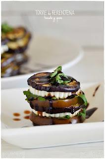 Torre de berenjena, tomate y queso...simplemente: deliciosa!