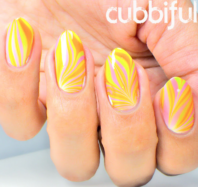 Summer Watermarble Nails