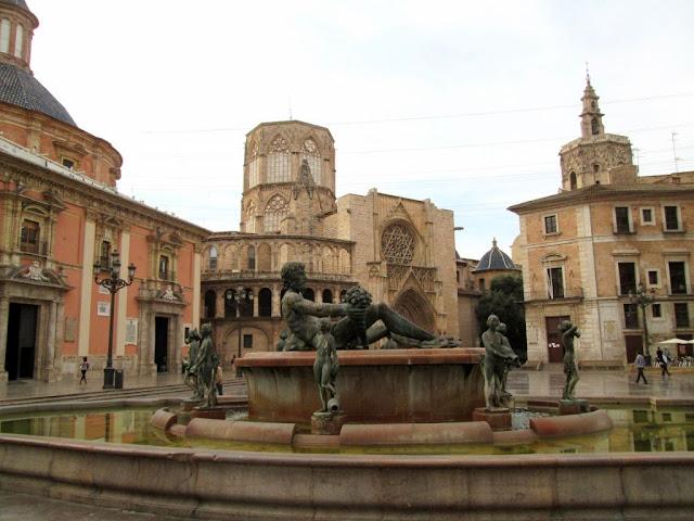 Plaza de la Virgen. mayo 2014 - Paseos Fotográficos Valencia