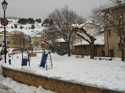 clima, Beceite, nieve, frío, nevada, está nevando, Beseit, neu, parque, columpios,, las eras